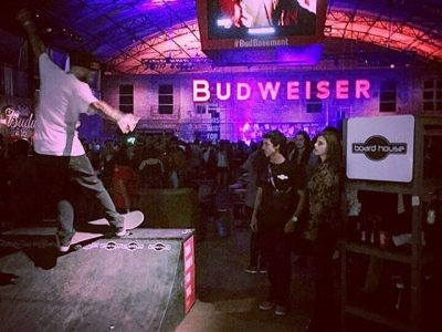 Badweiser Basement em SP para final no Super Bowl